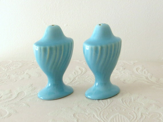 Turquoise Salt and Pepper Shakers ca. 1930, 1940 - Franciscanware Coronado Swirl