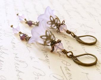 Light Purple Lucite Flower Earrings, Vintage Style Earrings