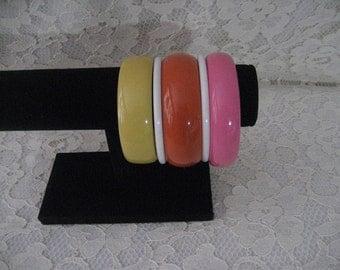 SUMMERTIME BANGLE BRACELETS - Lot of 5 Bracelets