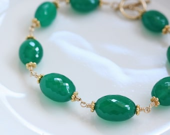 AAA Emerald Green Onyx Oval 14k Gold Filled Bracelet Wire Wrapped with Toggle Clasp, Green Gemstone