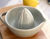 Pottery Citrus Juicer - Soft Gray Lemon Juicer