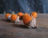 Felted wool acorns, set of 6, Pumpkin Orange, for Halloween decor, harvest decoration, autumn bowl filler, seasonal fall, halloween gift
