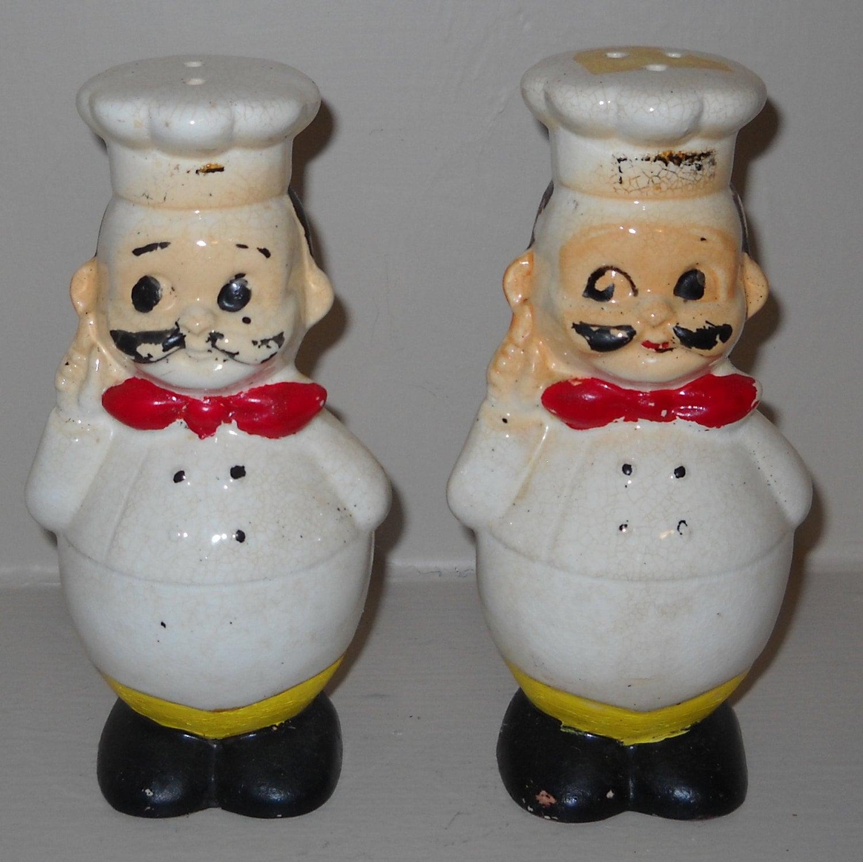 vintage japan salt and pepper shakers let