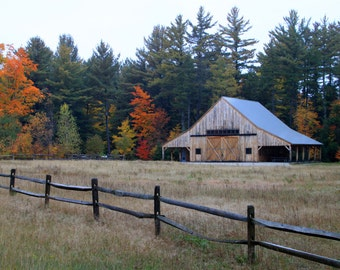 Barn in New Hampshire in the Fall