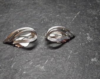 "Vintage 1 1/4 "" Large Silvertone Loop Clip On Earrings by Sarah Coventry"