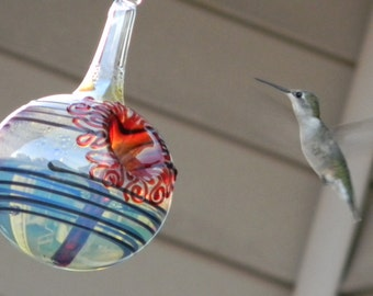 BK- The Kennedy Style Hummingbird Feeder, The Original One Piece Drip-less Hummingbird Feeder/Silver and Black