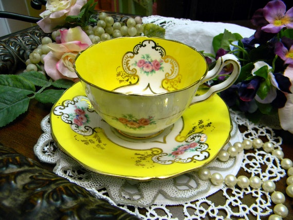 Paladin Bone China Teacup Tea Cup and Saucer - Fenton Wide Mouthed 9884