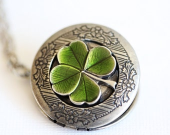 Personalization Four Leaf Clover Locket,Jewelry Gift,Claddagh, Antique Locket,Silver Locket, Irish,Lucky, Shamrock,Wedding,Bridal Jewelry