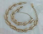 Monet Vintage Set Wavy Links Choker Necklace Bracelet Safety Chain Silvertone Jewelry