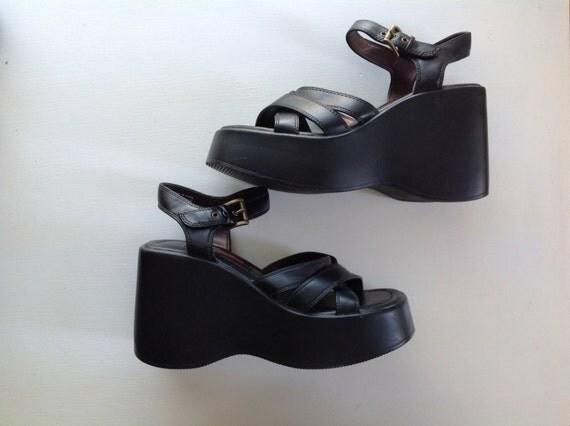 Vtg 90's BONGO Sz 7 Black Platform Sandals by anthropolotique