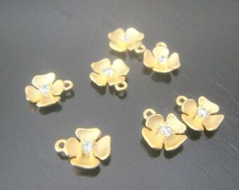 Matte Gold Tarnish Resistant mini flower bead disk Connectors, Earring Findings, pendants, 2 pc BE14345