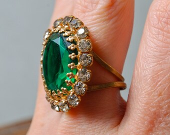 Vintage brass ring, glass rhinestones, adjustable