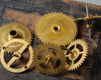 Lot of 6 Vintage clock parts, gears