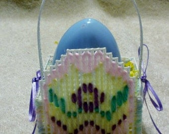 White Plastic Canvas Egg Easter Basket