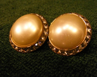 Mid Century Pearl Finish Button Clip on Earrings with Rhinestone Border