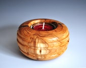 Tea light in yew