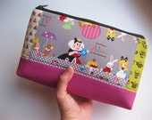 Alice in Wonderland / zipper pouch / cosmetic pouch / cosmetic bag