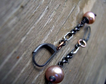 Silver and pearls dangle earrings - Nostalgic