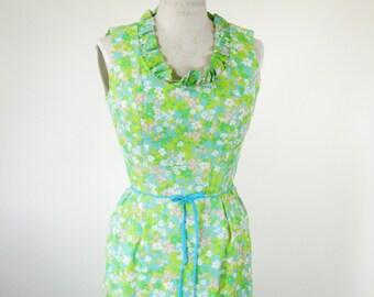 1970s Floral Sleeveless Maxi Dress Green Blue Ruffled Collar Small