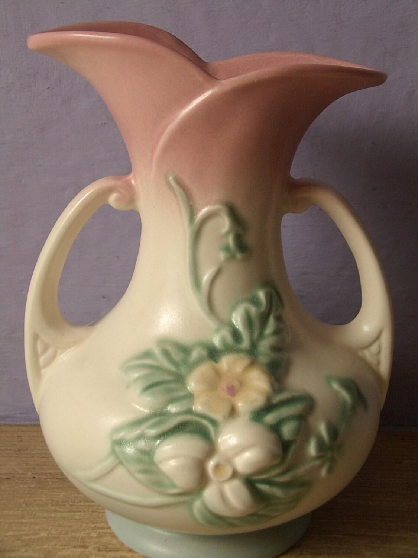Vintage 1940 S Hull Usa Pottery Vase W8 7 1 2 By Shoponsherman