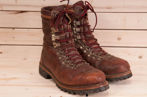Vintage made in USA 1970s brown hiking boot size 7D