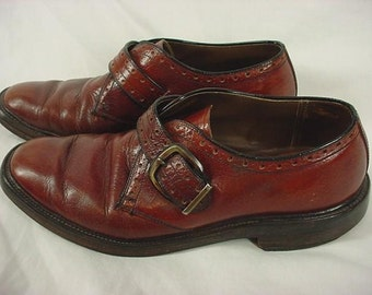 SALE was 74.00. Mens Dress Shoes. vintage Monk Straps. Burgundy Leather Monk Strap Shoes, WIngtips. Oxfords. Mod Shoes. US size 8 D 8D