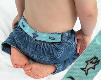 "Toddler Belt - Elastic Snap Belt - ""Shark Dude"""