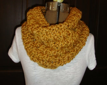 Cowl Hand knitted in Golden Rod