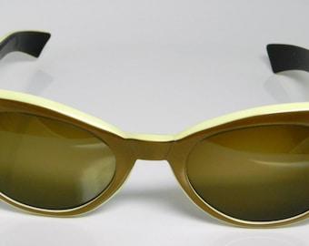 Vintage AO Cosmetan Cat Eye Sunglasses CX22-48