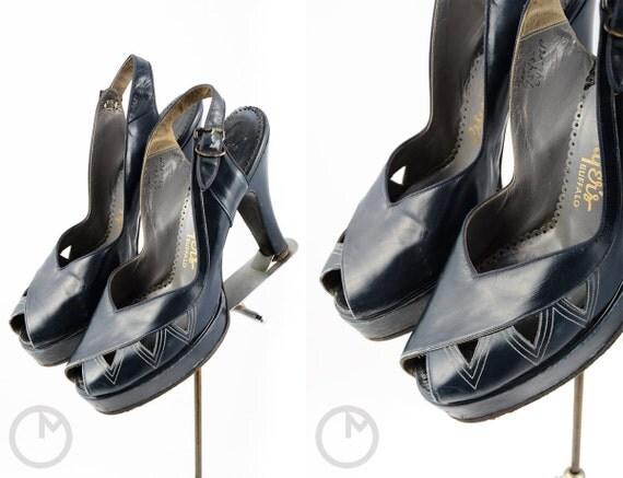 1940s shoes/ 40s platform heels/ peep toes