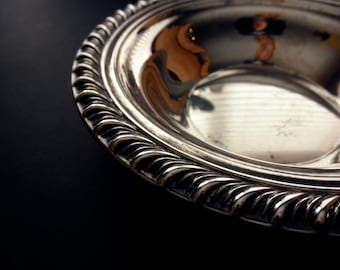 vintage International Silver Co. silverplate dish - candy