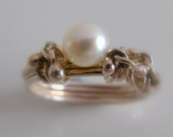 Engagement Pearl Ring. Bridal Wedding Jewelry. Sterling Silver Organic Dewdrops Ring with Pearl. Handmade Jewelry