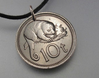 Papua New Guinea  coin jewelry necklace. 10 toea. Cuscus . animal . children jewelry 1975 No.001446