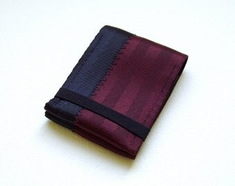 Minimalist credit card wallet with elastic - oxblood