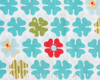 Half Yard Just Wing It Four Petals in White, Momo for Moda Fabrics, 100% Cotton Fabric