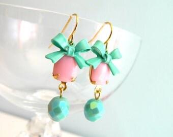Pink Earrings, Little Bow Earrings, Pink Retro Earrings, Mint Green Bows, Shabby Chic Earrings, Pastel Spring Earrings, Retro Jewelry