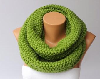 Green chunky crochet loop ininity scarf, crochet scarf , chunkyknitting scarf ,big crochet scarf, infinity chunky , crochet cowl chunky