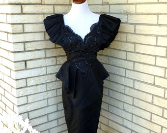 1980s Black Prom Dress Plunging Neckline Fit and Flare Nipped Waist Karen Okada Climax Womens Vintage Medium