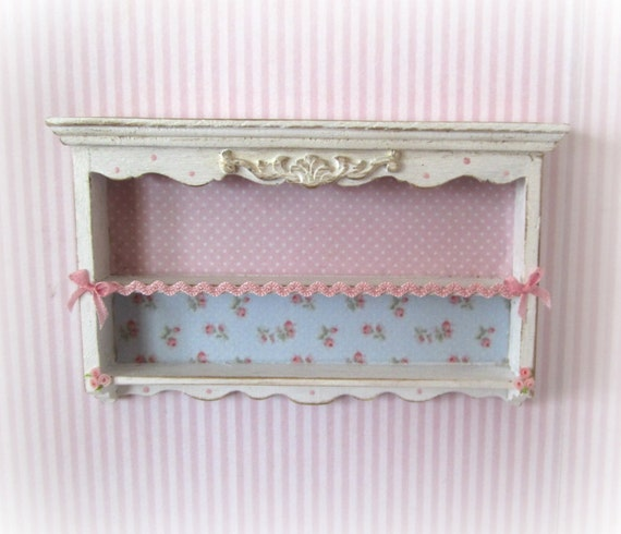 Shabby Chic Kitchen Shelves: Wall Shelves Shabby Chic Style. Scale1:12
