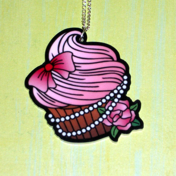 Pretty Cupcake Necklace