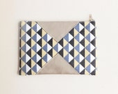 Geometric pouch - Zippered pouch - Retro style - Black Navy blue Sand beige