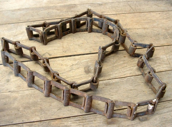 Antique Farm Chain : Rusty old industrial farm salvage metal chain by