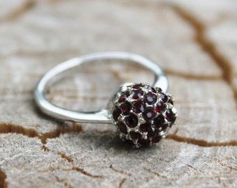 Vintage Silver Red Garnet Stone Ball Ring