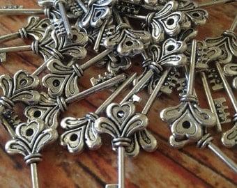 Tibetan silver key - 5 pieces