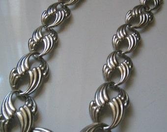 VINTAGE  Bold Heavy Silver Tone Necklace