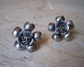 Vintage Legro earrings - sterling silver flower earrings - screwback earrings