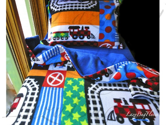 Toddler train bedding 39 blue trains 39 for boys handmade for Toddler train bedroom