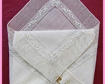 Vintage White Linen Hankie Handkerchief Gift Pocket With Embroidered & Crocheted Edges