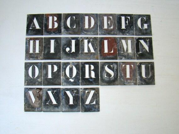 set de pochoir zinc fran ais antique pochoirs lettre. Black Bedroom Furniture Sets. Home Design Ideas