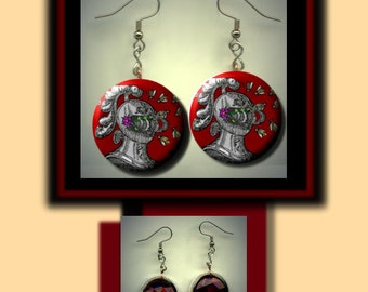 Abeilles casque emblemata Bees Knight Armor Emblem Red Altered Art Dangle Earrings with Rhinestone